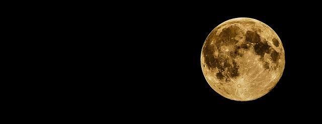 full-moon-415501_640.jpg
