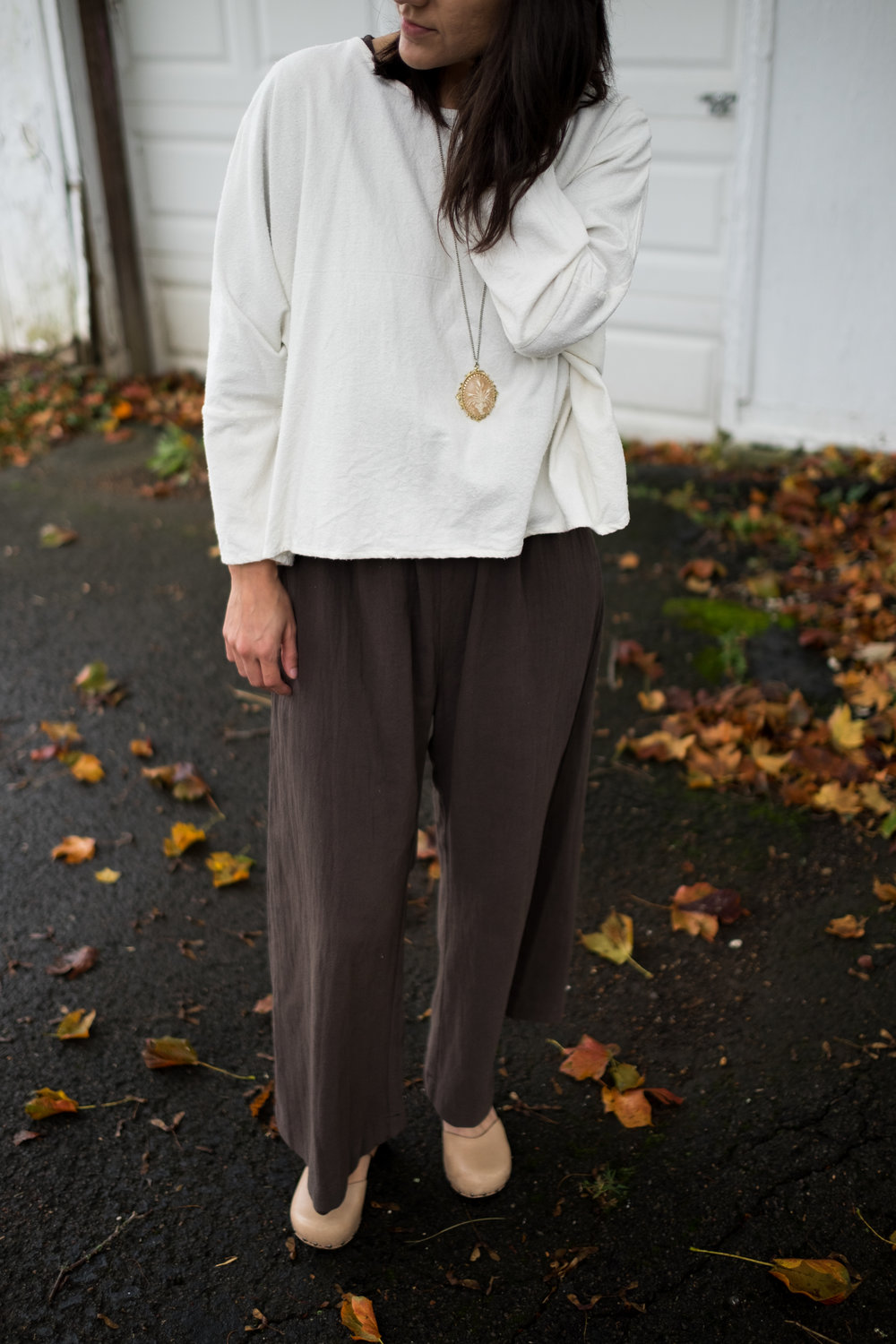 Day 7 - My favorite outfit of the whole challenge! top: Jamie + the Jones T Top bottoms: Esby Duffy crop jumper shoes: old Dansko clogs