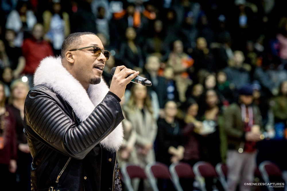 Juno R&B singer Dru performs at the NBA All Star Celebrity Game (2017)