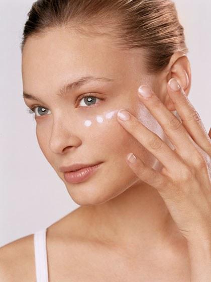 makeup-looks-2011-04-mlaa01_makeup_tricks.jpg