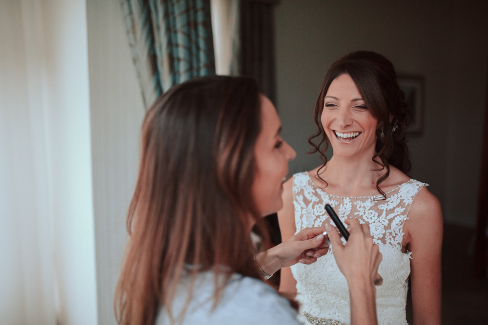Wedding day relaxed make-up session.jpg