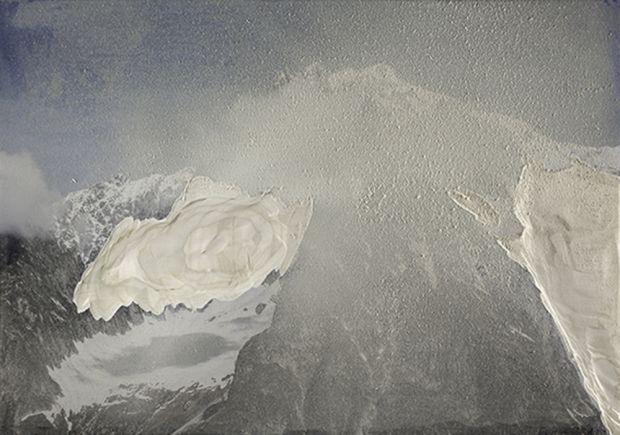 Laura Pugno,  Gradi di auotnomia 01, 2016, abrasione su stampa fotografica su legno, cm 80 x 100