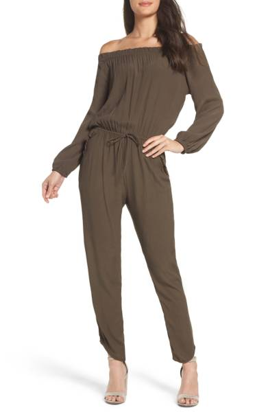 wearyourwholecloset_jumpsuit1.jpg