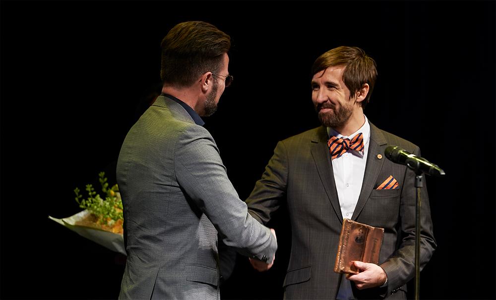 Prisoverrækkelse på Odense Teater
