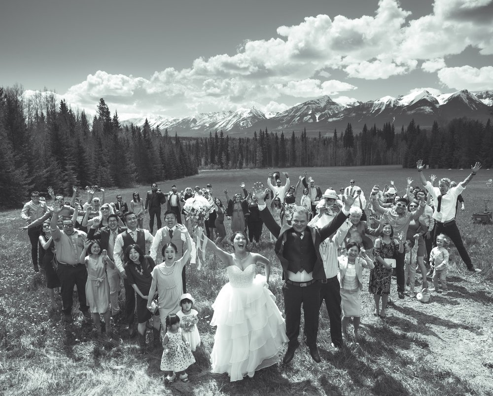 wedding-photography-golden-bc-blaeberry-guests