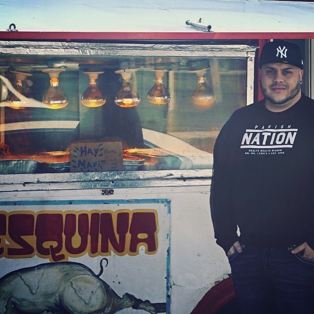 La esquina del sabor. Street food in Humbolt park. #streetphotography #streetfood #foodtruck #culture #authentic