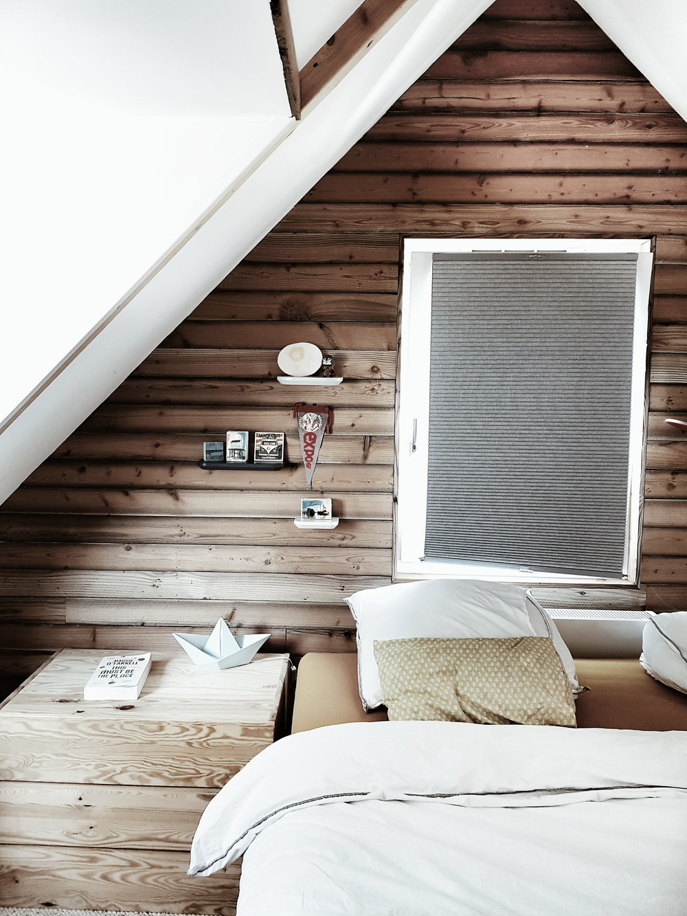 I loved the wood cladding wall which added a rustic edge to the Scandi decor
