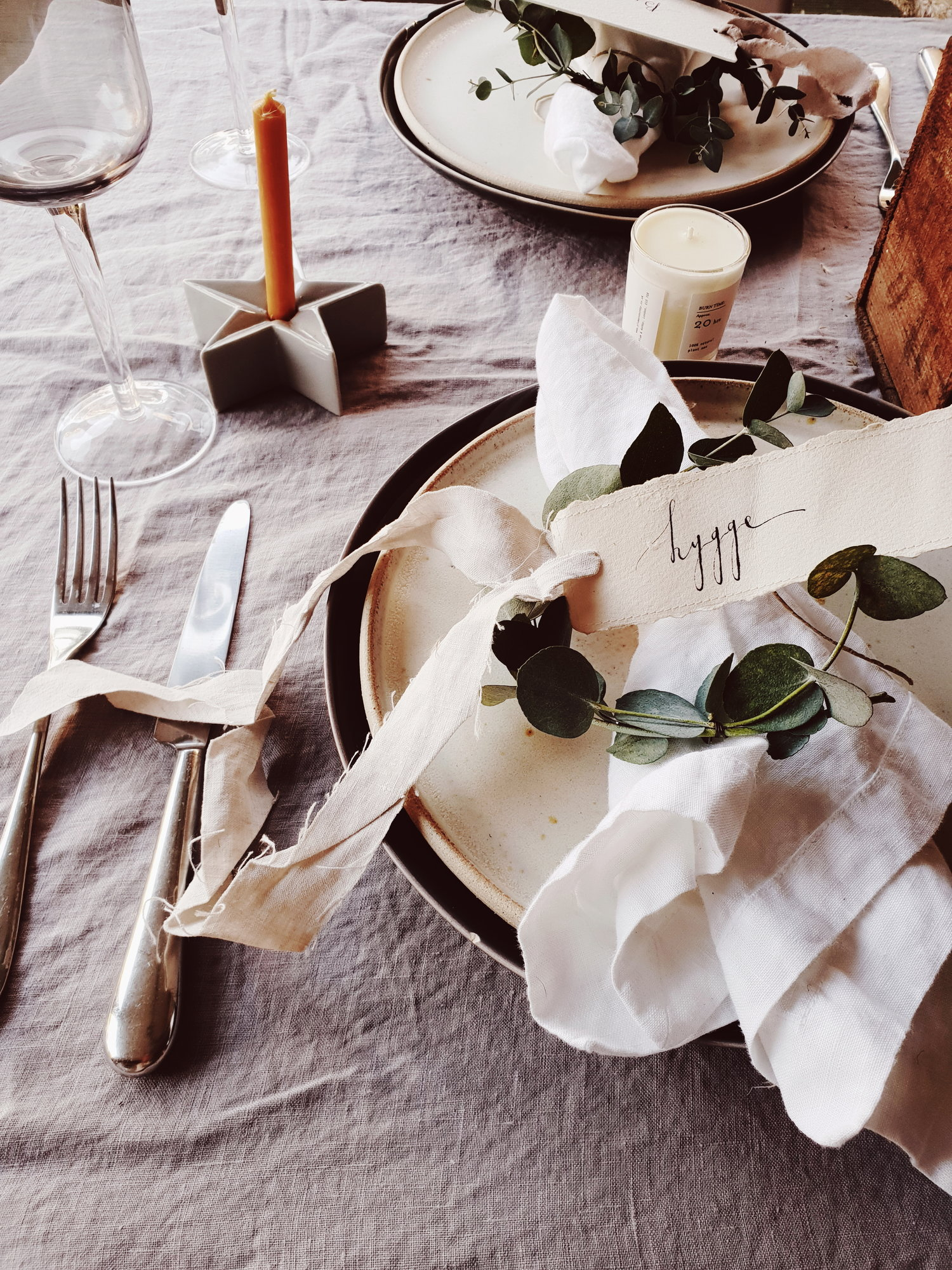 Add a personal touch to your table with these gorgeous handwritten labels from Oysterbridge Co
