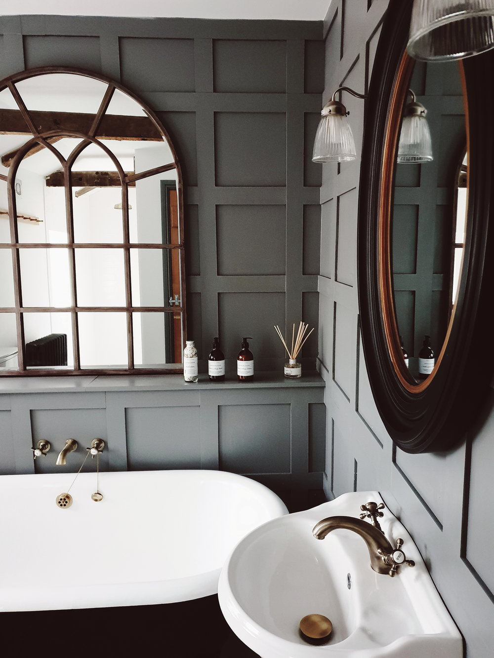 The family bathroom with fabulous Georgian style pannelling