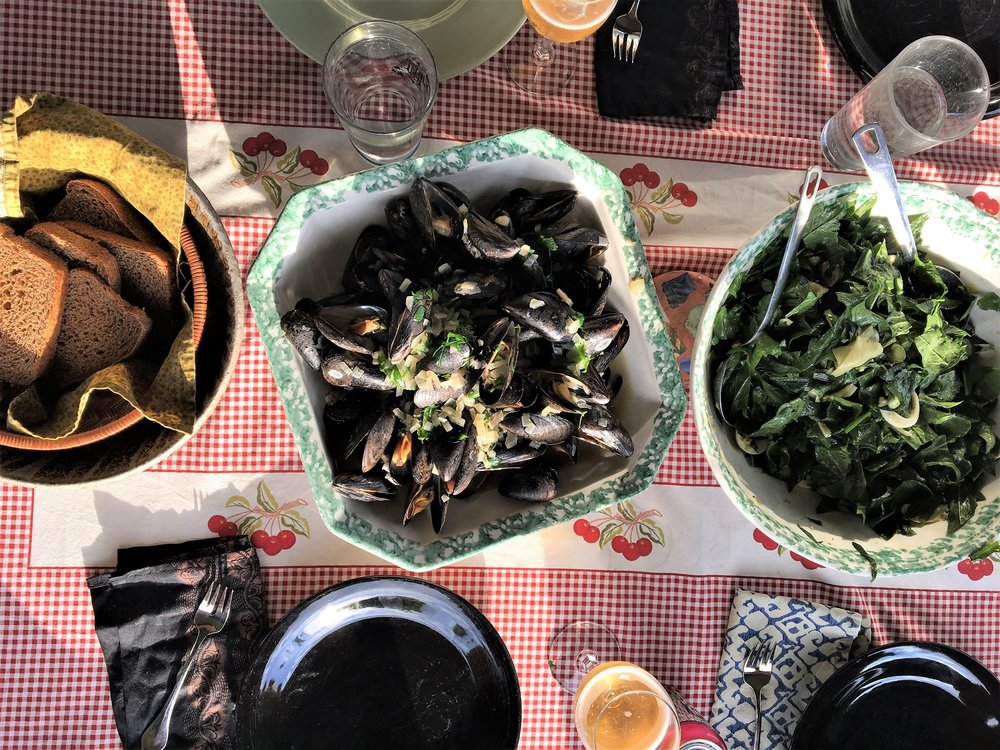 Mussel dinner with cider.JPG