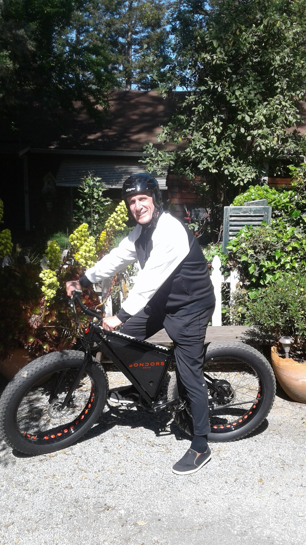 Me on Sondor's E-Bike 2.jpg