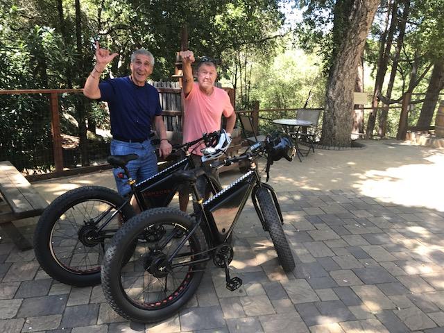 Jimi & Me w bikes & Hand signsIMG_0074.JPG88**.JPG