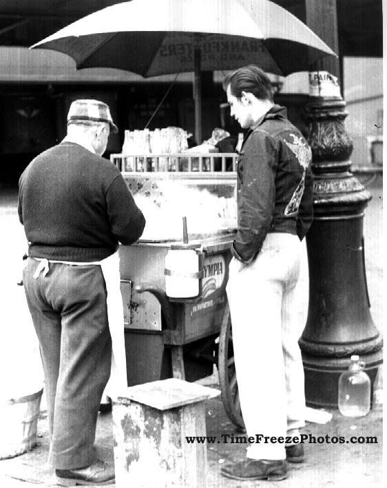 B&W hot dog vendor NYC.jpg 1.jpg