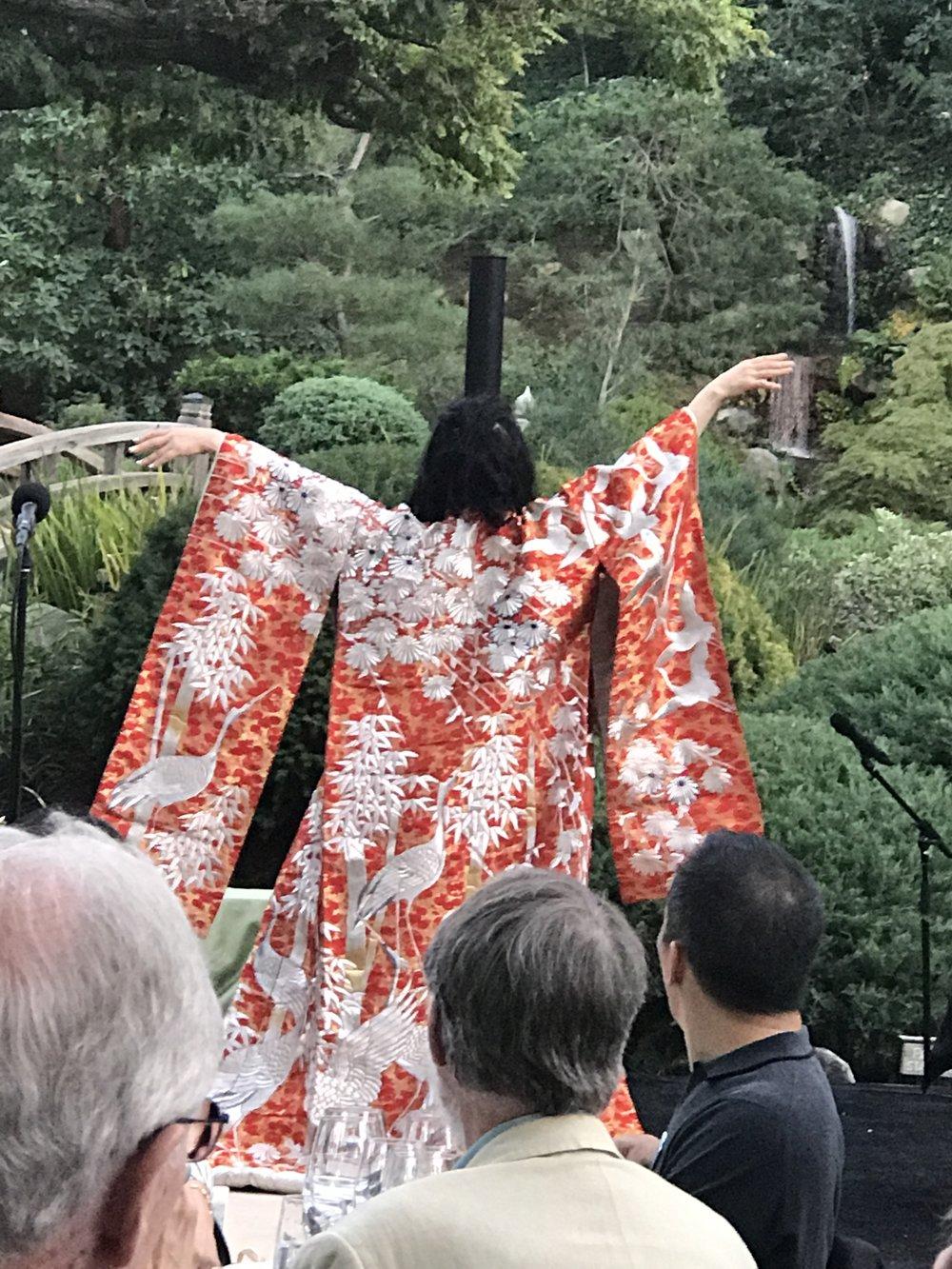 Soprano Keiko in fancy cloak.JPG*.JPG
