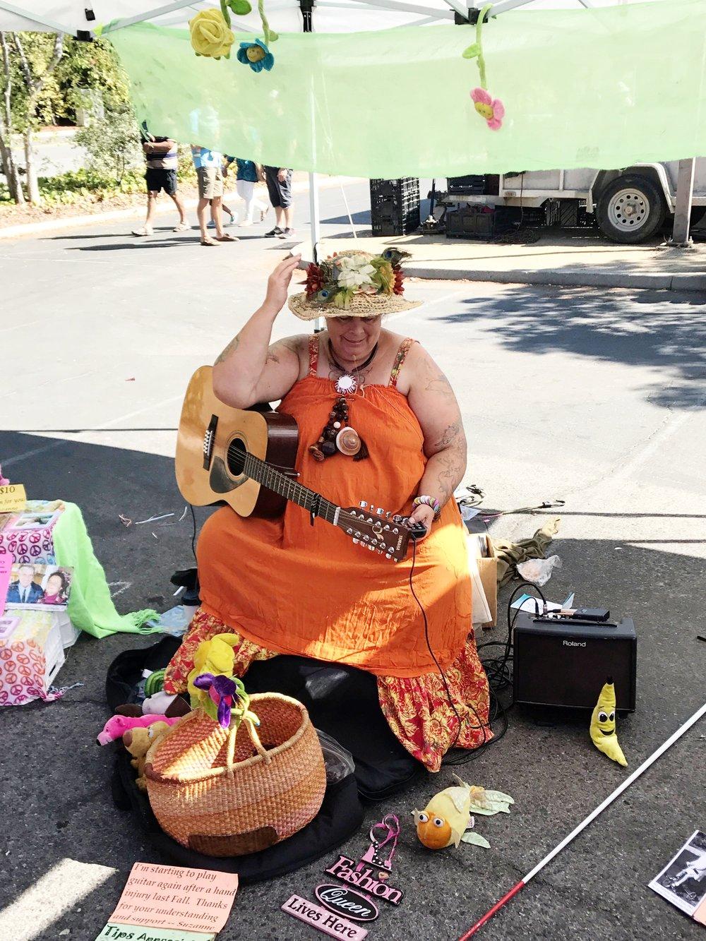 Big Singer in Orange IMG_2295.jpg