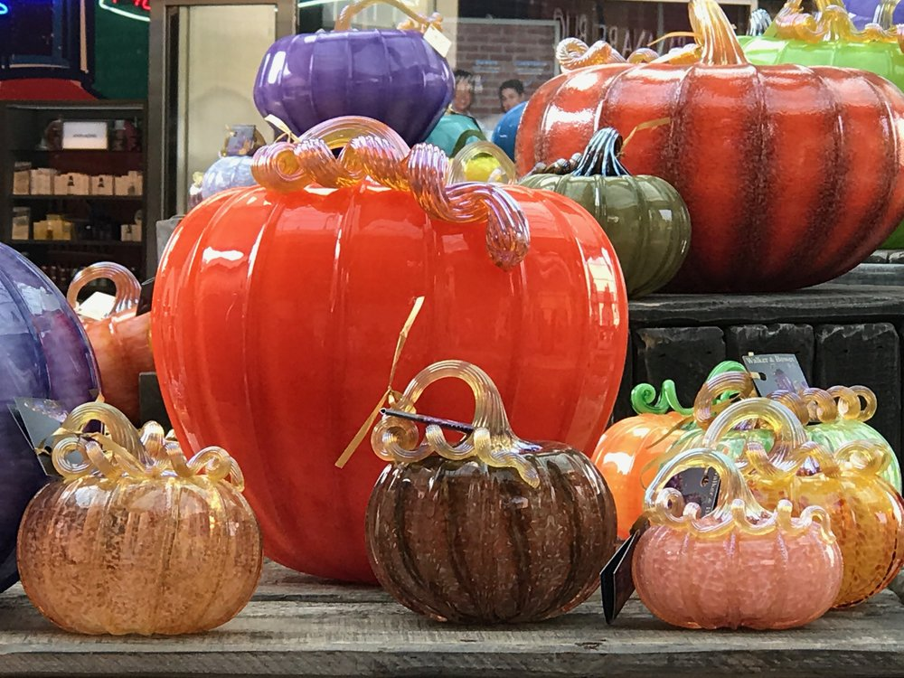 Glass Pumpkins Large 2 IMG_1458.jpg *3.jpg