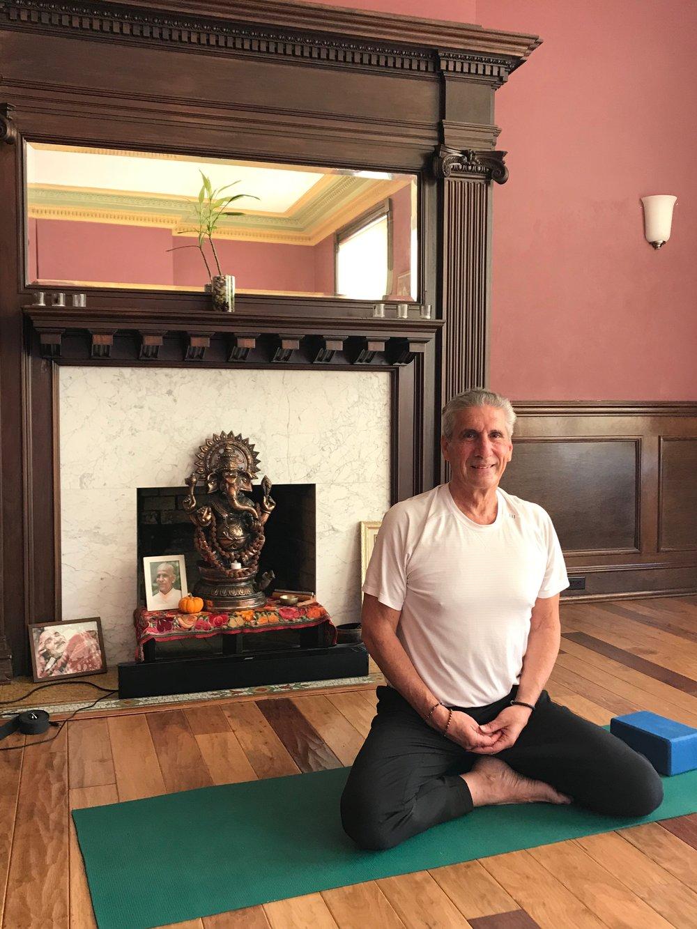 Yoga seated X legged IMG_3331.jpg*.jpg