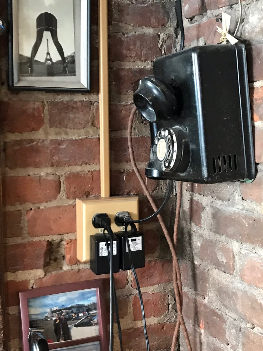 Black Antique Rotary phone.jpg*.jpg
