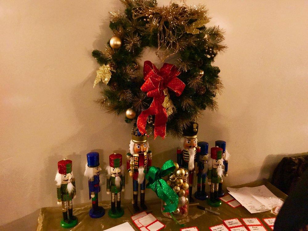 Wreath & nutcrackers.jpg