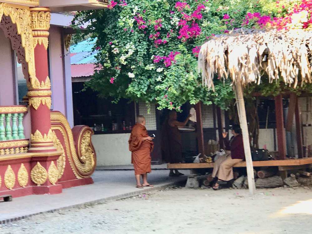 Monks at Kyaswa.jpg