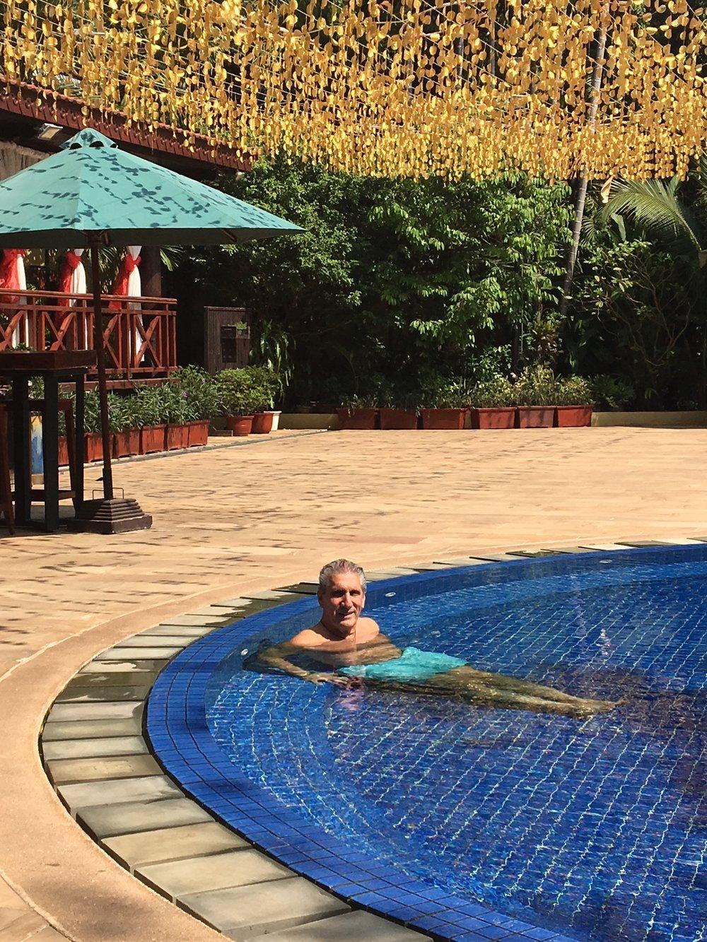 Dennis in Pool Angkor Paradise Hotel.JPG*.JPG