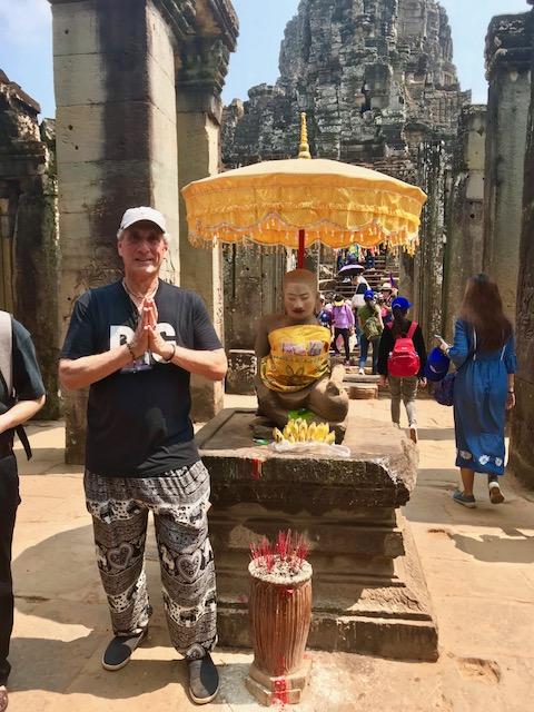 Dennis front of Buddha Shrine Paraso AT.jpg*.jpg