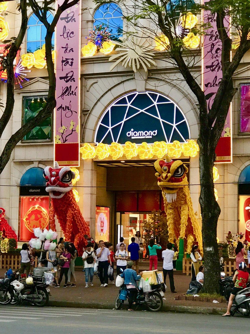 Diamon Dept Store w Dragons & lights.jpg*.jpg