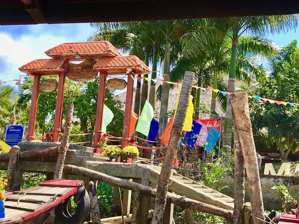 Restaurant on Mekong dock entrance.jpg*.jpg