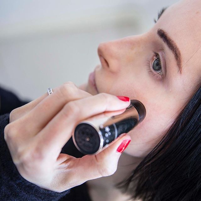 Still in love with my @meccacosmetica bought @ciatelondon Dewy Stix because it is a super light highlighter and really convenient to use. It smells like marshmallows and when you don't wear much makeup like me it is great! www.settoglow.com.au . . . . . #makeuptutorials #makeuptrends #makeupaddicts #makeupjunkies #makeupobsessed #muafollowtrain #beautybloggers #fotdhktakeover #makeupporn #fortheloveofmakeup #sydneyblogger #skincareaddict #designermakeup #sydneybeautyblogger #makeuphaul #inmykit #skincareproducts #skincarecommunity #skincaretips #365inskincare #highlighteronfleek #highlighterparty #strobing #strobingmakeup #strobingstick #meccamax #burberry #ciate #MECCAMade #meccacosmetica
