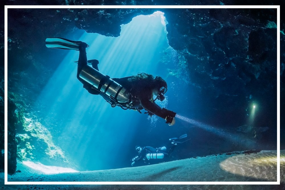 Divers at Blue Hole, Ichetucknee Springs. Photo by John Moran.