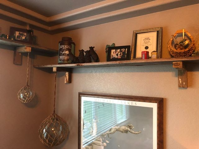 Barnwood shelves: The perfect authentic family heirloom to display your family's precious heirlooms. ⠀ ⠀ #longmont #barnwood #homedecor #diy #homeimprovement #downtown #boulder #mainstreet #shelves #farmhouse