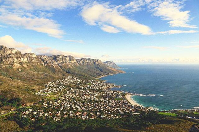 View from one of our favorite places. Have you been here? If not, don't worry. Our expert ticketing services can get you here in first class style, all compliments of points & miles! ⠀ #EasyGoTraveler #LearnToWander #Travel #FirstClass #SouthAfrica #CapeTown #Africa #Coast #Scenic #View #Mountains #Landscape #Journey #Adventure #Dream #Vacation