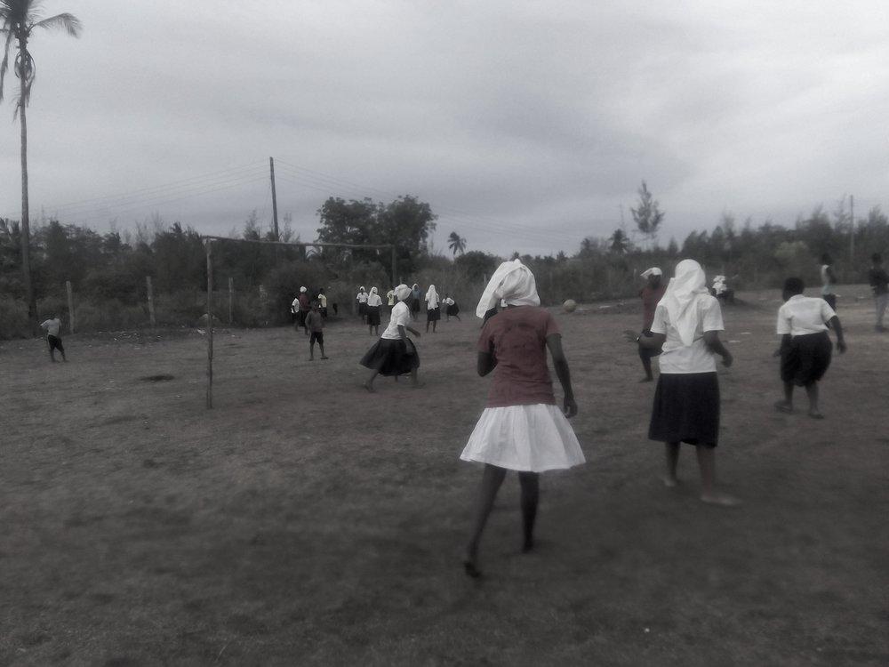 jaslika consulting,akf,vbe-baseline, female students playing football