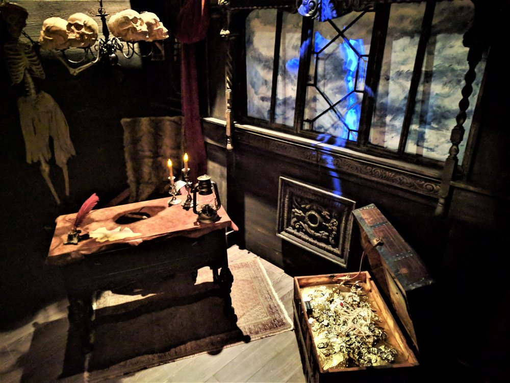 escape_room_clerwater_beach_pirate_ship_captians_quarters_encrypted_adventures_tampa_bay.jpg