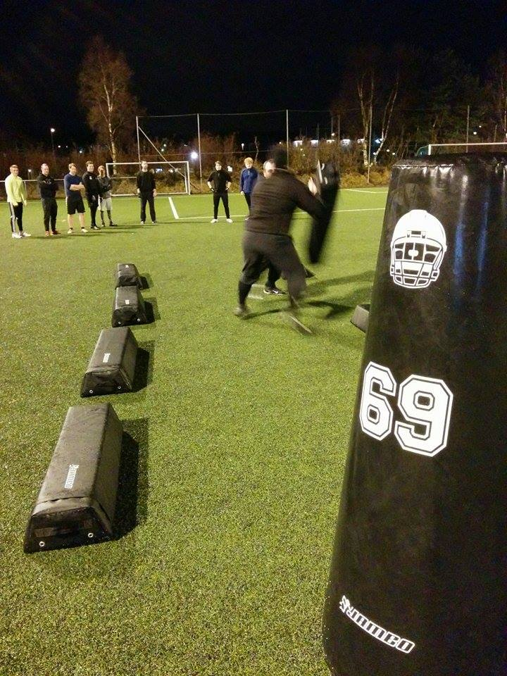 AMERICAN-FOOTBALL-FIELD-EQUIPMENT-EUROPE-LURA-BULLS