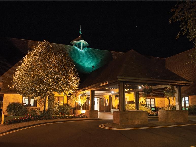 Kettering Park Hotel & Spa  -Rushton Magician