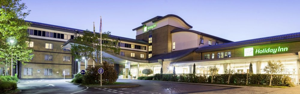 The Holiday Inn - Magician in Oxford