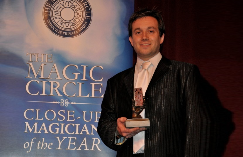 Artiste Magic Close Up Magician of the Year - landscape.jpg