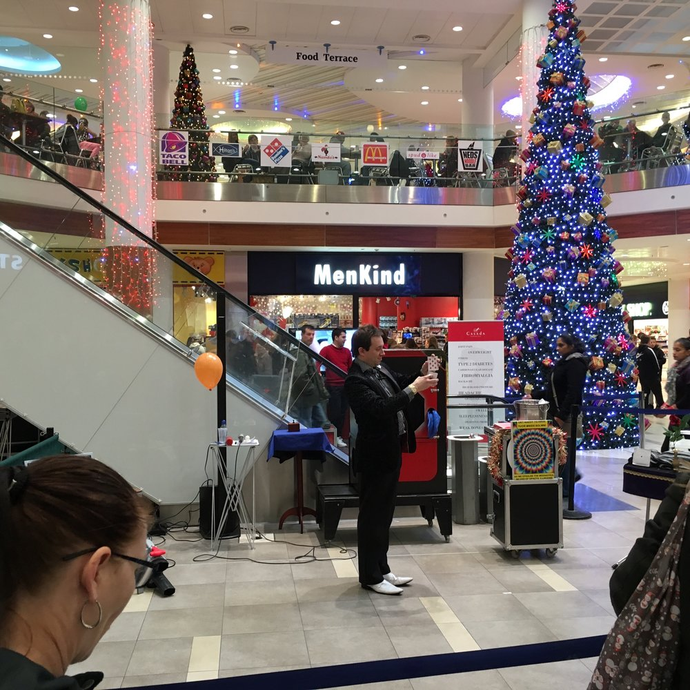 Eastgate Shopping Centre, Basildon Magician