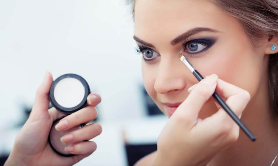 MAKE-UP-APPLICATION-TRAINING-ÔÇô-ONLINE.jpg