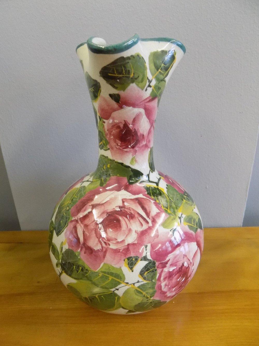 Mary G. W. Wilson Wemyss ware vase 1856-1939 £280.00