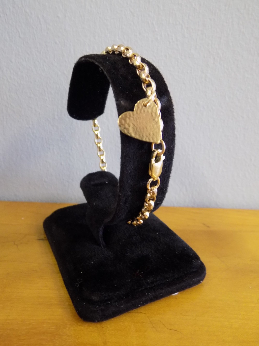 Victorian 9ct gold bracelet with 18ct handmade heart shaped charm £195.00