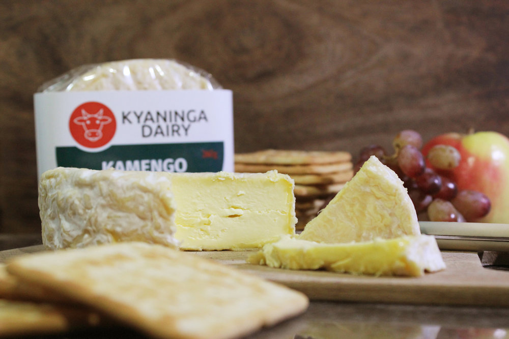 KAMENGO - Kamengo is an unctuous and creamy raw milk cheese in the style of famous French cheese like Camembert. It is entirely made by hand using the finest locally sources cows milk,and to the same exacting standards that have made our goats cheese such a hit with discerning cheese lovers around the country.Milk:Raw Cow's MilkCoagulant:Traditional Animal RennetShelf Life:6 weeks