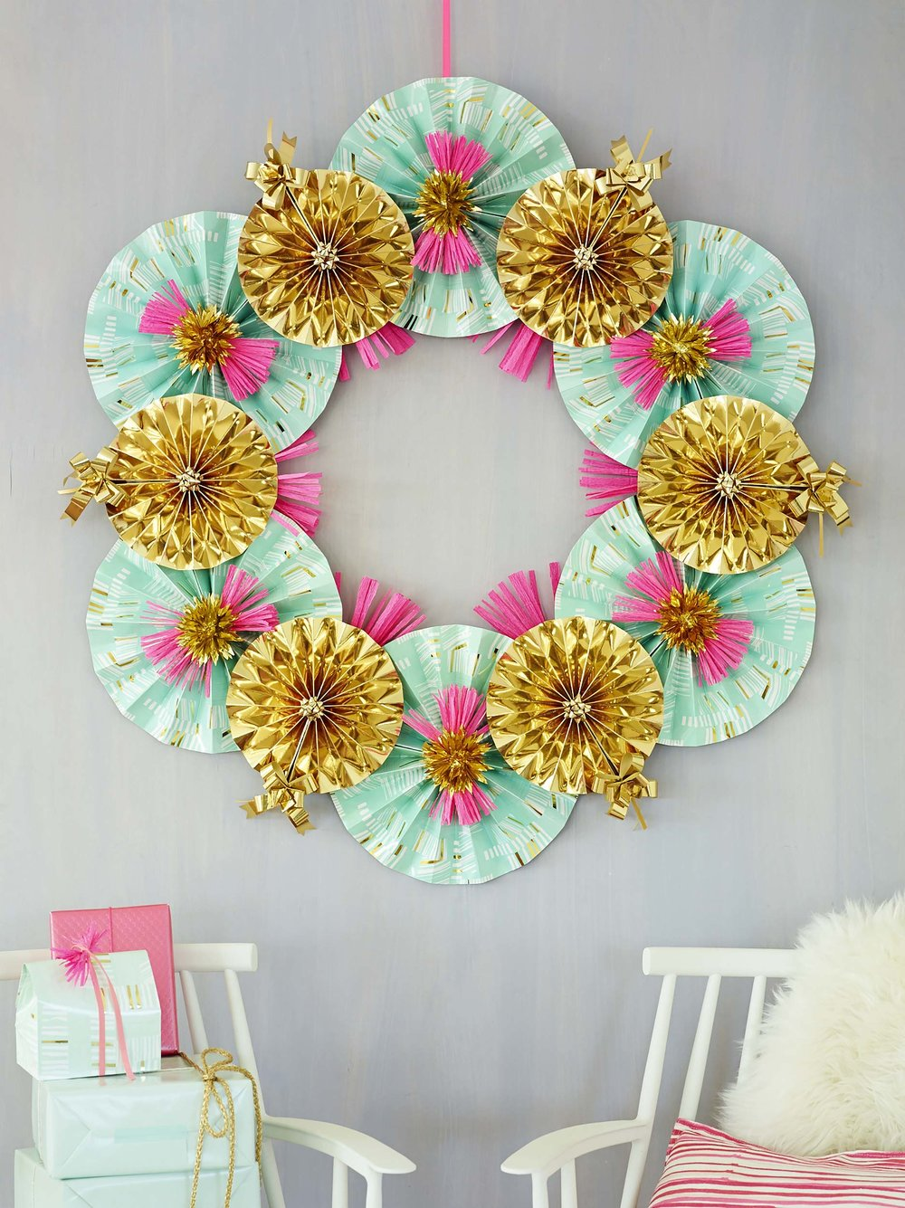 Paper-Fan-Wreath_0039.jpg