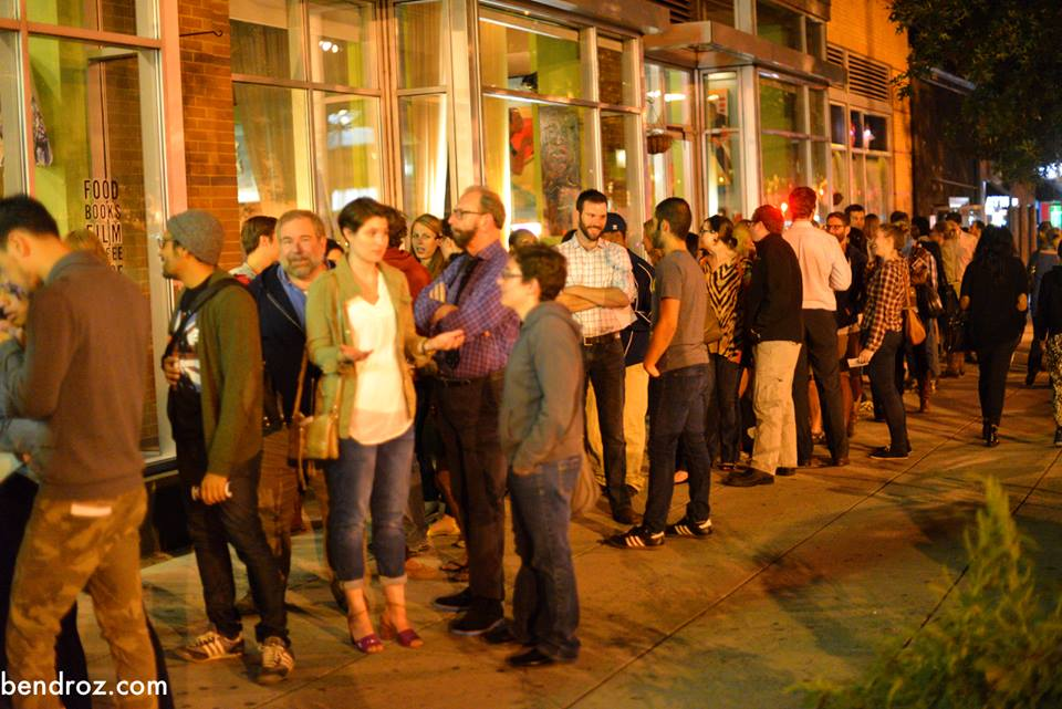Line to get in to Story League at Busboys and Poets 14/V (Photo:  Ben Droz )