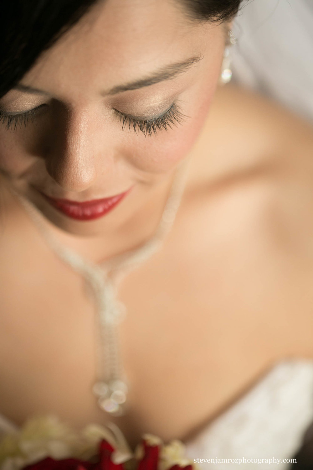 eyelashes-bride-raleigh-steven-jamroz-photography-0313.jpg