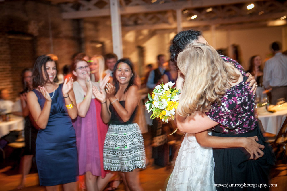 grab-bridesmaids-ass-bride-flower-toss-steven-jamroz-photography-0013.jpg