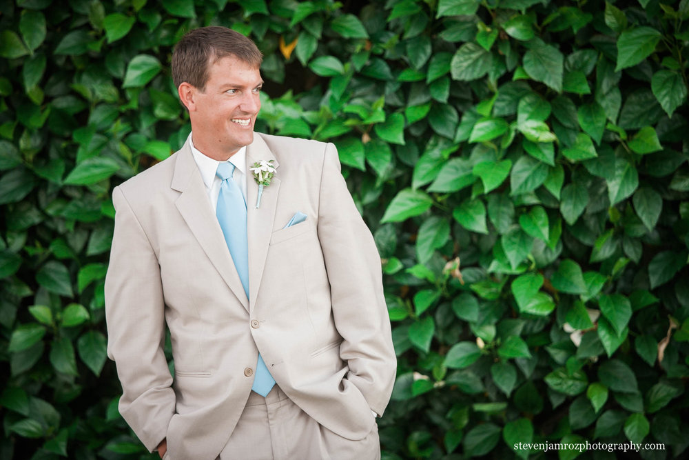 groom-happy-wedding-steven-jamroz-photography-0003.jpg