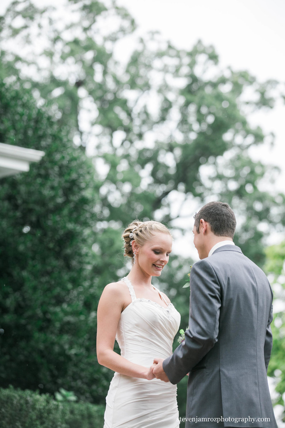 holding-hands-first-look-raleigh-steven-jamroz-photography-0302.jpg