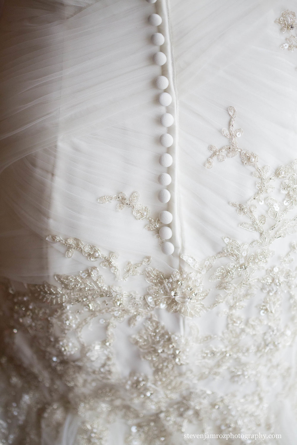 detail-photo-wedding-dress-raleigh-nc-steven-jamroz-photography-0145.jpg